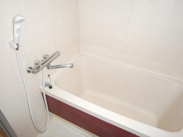 http://xn--wbs69nb3g625btba.com/main/403bathroom.jpg
