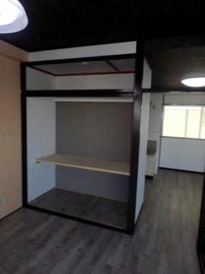 402号室ワークスペース.png