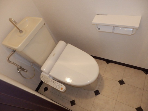 603号室トイレっと.png