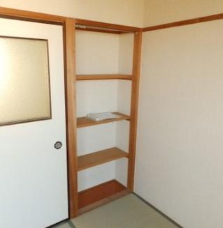 601和室収納.png